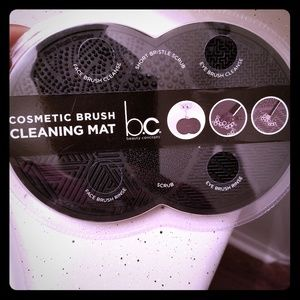 Other - Makeup Brush Cleaning Mat